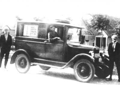 Paulus Achterberg + 1e bezorgwagen T-Ford, +/- 1930