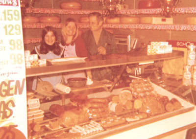 Vleeswaren- en kaasafdeling, +/- 1974