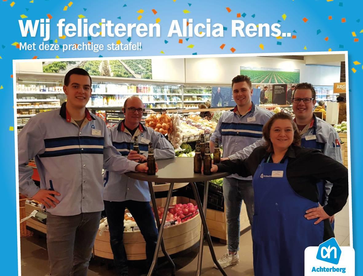 Wij feliciteren Alicia Rens.. Met deze prachtige statafel!